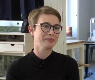 Film: Ekonomi - Elvira och Caroline, Hellsten Kommunikation