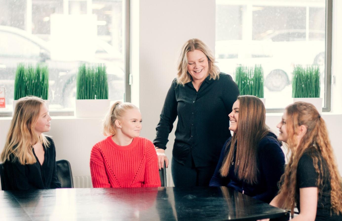 Projektstyrda lektioner ger eleverna träning för framtida yrkesliv